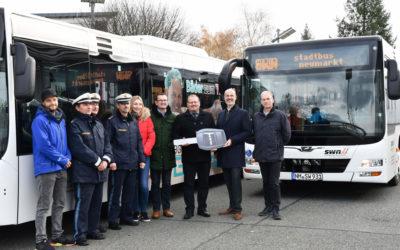 Stadtwerke Neumarkt i.d.OPf. lassen zwei neue Stadtbusse segnen